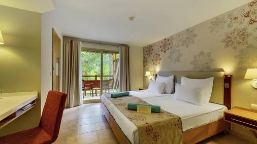 恰姆尤瓦罗宾逊俱乐部酒店 - 式 - 凯麦尔 - 睡房