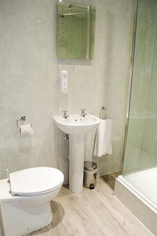 OYO 北方酒店 - 阿伯丁 - 浴室