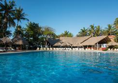 塔马林多西方度假酒店 - 塔马林多 - 游泳池
