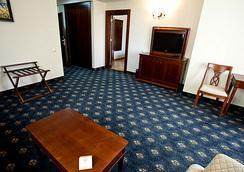 普利莫雷兹格兰德Spa酒店 - Burgas - 睡房