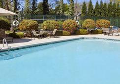 亚特兰大巴克海特温盖特温德姆酒店 - 亚特兰大 - 游泳池