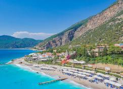 里琪雅自由酒店 - 费特希耶 - 海滩
