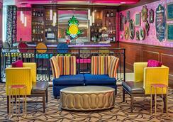 马克斯韦尔住宿菠萝酒店 - 西雅图 - 酒吧