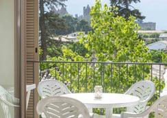 樱红南卡尔卡松公寓式酒店 - Carcassonne - 睡房