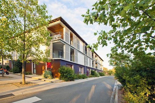 樱红南卡尔卡松公寓式酒店 - Carcassonne - 户外景观