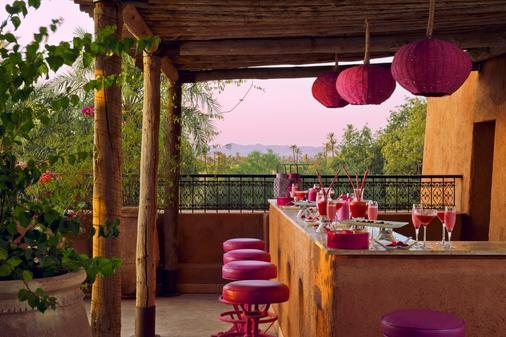 提格扎套房酒店 - 马拉喀什 - 酒吧