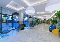 Kaptan Hotel - 阿拉尼亚 - 大厅