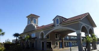 圣奥古斯丁红屋顶普拉斯酒店 - 圣奥古斯丁 - 建筑