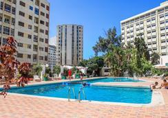 巴塞罗坦格尔酒店 - 丹吉尔 - 游泳池