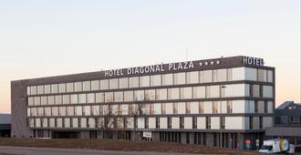对角线广场酒店 - 萨拉戈萨
