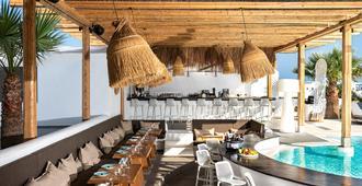 地中海皇家酒店 - 卡马利 - 酒吧