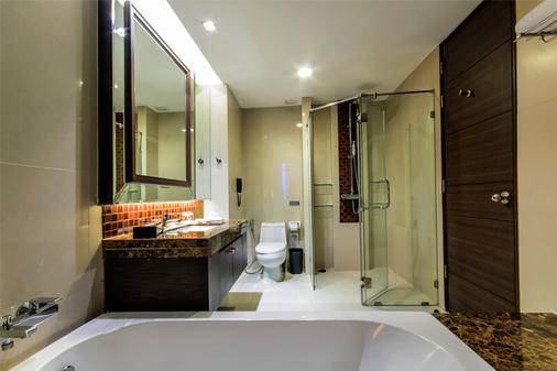 水门伯克利酒店 - 曼谷 - 浴室