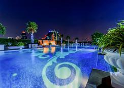 水门伯克利酒店 - 曼谷 - 游泳池