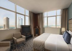 Ramada Abu Dhabi Corniche - 阿布扎比 - 睡房