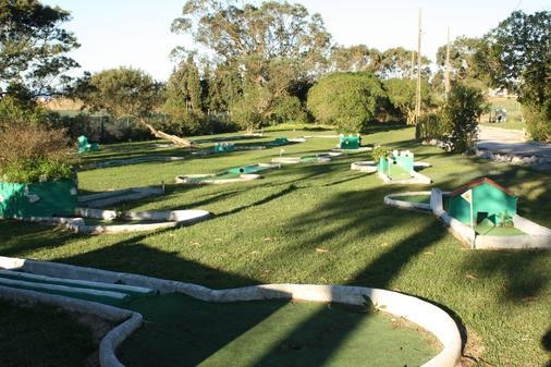 爱考达乡村酒店 - Peniche - 高尔夫球场