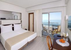 爱丽丝宜奥斯酒店 - 阿尔布费拉 - 睡房