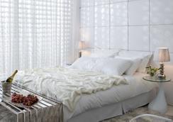 亚历山大特拉维夫酒店 - 特拉维夫 - 睡房