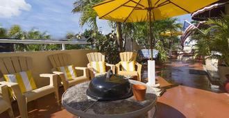 辛克莱海滩套房温泉度假酒店 - 好莱坞 - 露台