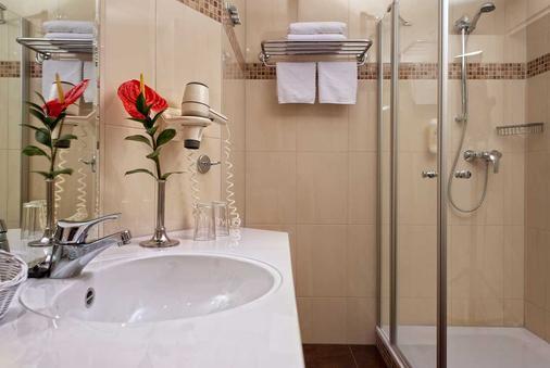 吕根之爱酒店 - 奥茨巴德宾兹 - 浴室