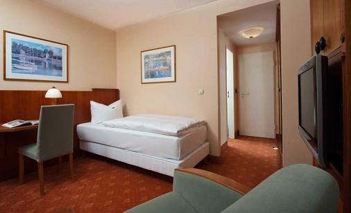 吕根之爱酒店 - 奥茨巴德宾兹 - 睡房