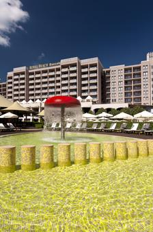 巴塞罗皇家海滩酒店 - 阳光海滩 - 游泳池