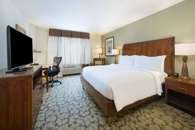 希尔顿花园酒店-亚特兰大北阿尔法利塔 - 阿尔法利塔 - 睡房