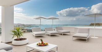 猴麵包樹套房飯店 - 阿德耶 - 阳台