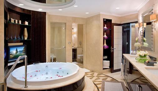 迪拜布斯坦罗塔娜酒店 - 迪拜 - 浴室