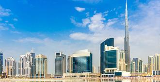 迪拜布斯坦罗塔娜酒店 - 迪拜