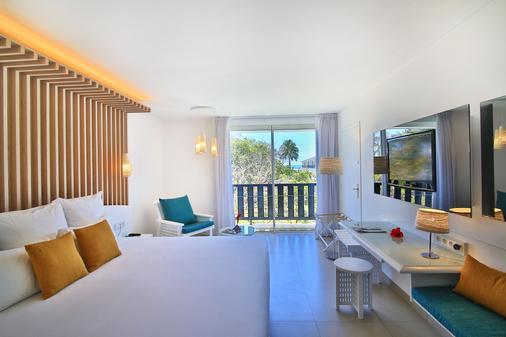 拉克里奥尔海滩酒店及水疗中心 - Le Gosier - 睡房