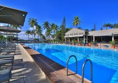 红木公寓spa酒店 - Le Gosier - 游泳池