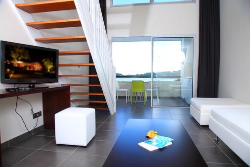 红木公寓spa酒店 - Le Gosier - 客厅