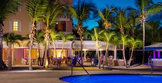Blue Haven Resort & Marina - 普罗维登西亚莱斯岛 - 建筑