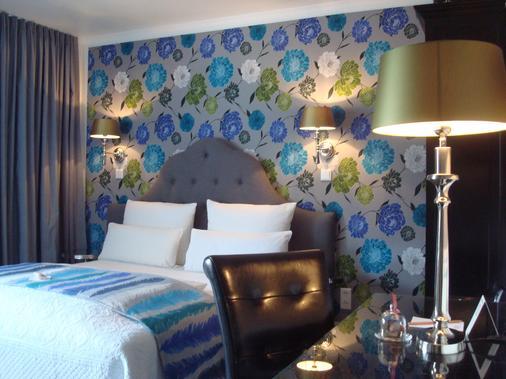 奥斯塔先生与女士酒店 - 杜塞尔多夫 - 睡房