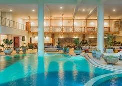 内罗毕瑞享公寓酒店 - 内罗毕 - 游泳池