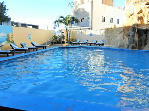 Hotel Playa Bonita - 马萨特兰 - 游泳池