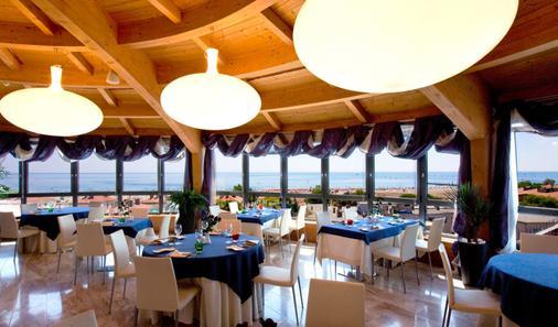 歌德拉古纳宫酒店 - 格拉多 - 餐馆