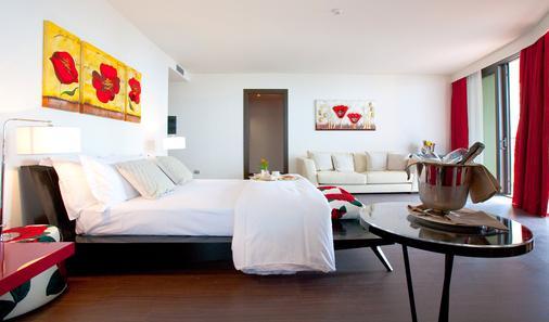 歌德拉古纳宫酒店 - 格拉多 - 睡房