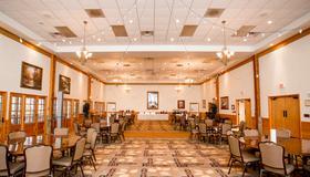 法布里基溪畔度假酒店 - 加特林堡 - 餐馆