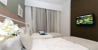 阿德利亚诺波利斯全套房酒店 - 马瑙斯 - 睡房