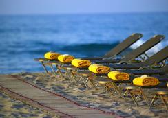 俄耳甫斯度假酒店(仅限成人) - 耶奥伊乌波利斯 - 海滩