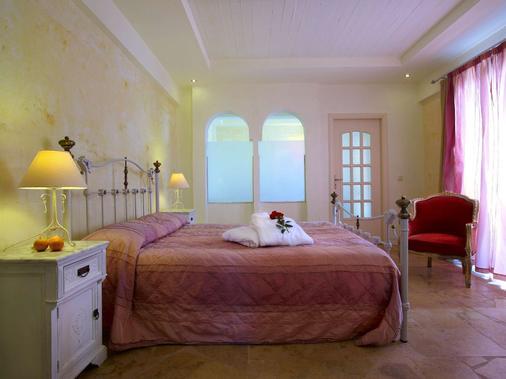 俄耳甫斯度假酒店(仅限成人) - 耶奥伊乌波利斯 - 睡房