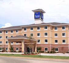 医疗中心斯利普套房酒店