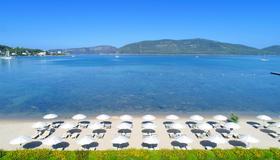 科特洛萨达度假村及水疗中心 - 仅供成人入住 - 阿尔盖罗 - 海滩
