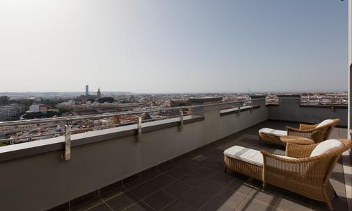 塞维利亚中心酒店 - 塞维利亚 - 阳台
