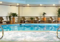 布里斯托尔万豪市中心酒店 - 布里斯托 - 游泳池