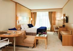 迪拜华威酒店 - 迪拜 - 睡房