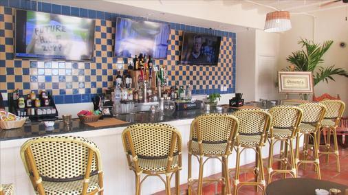 多维尔海滩度假酒店 - 迈阿密海滩 - 酒吧
