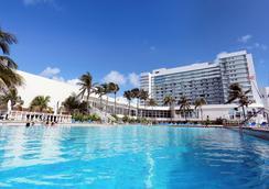 多维尔海滩度假酒店 - 迈阿密海滩 - 游泳池