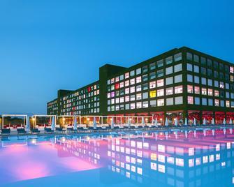 亚当夏娃酒店 - 式 - 限成人 - 贝莱克 - 建筑